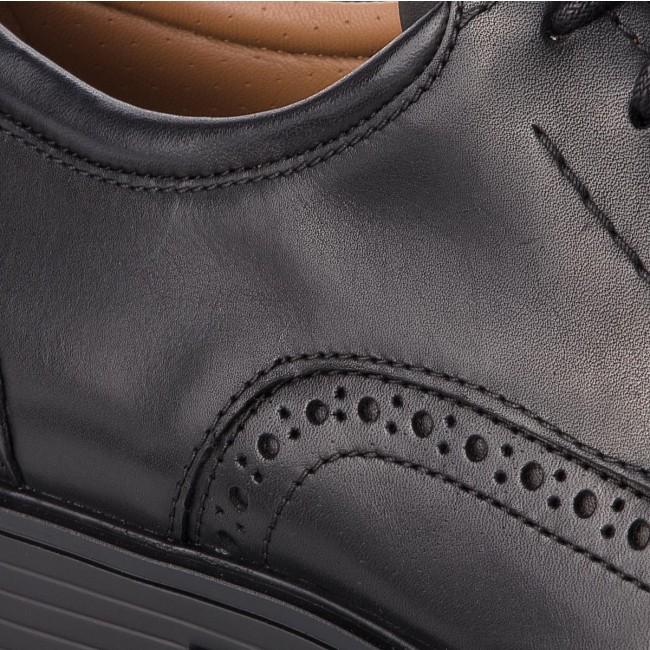 Black Un basse Leather CLARKS 261325977 Scarpe Aldric Wing gYdwOqE
