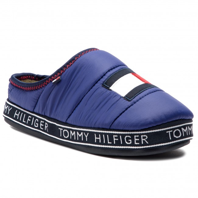 Pantofole TOMMY HILFIGER - Flag Patch Downslipper FM0FM02004 Solidateblu 435 - Pantofole - Ciabatte e sandali - Uomo | Diversi stili e stili  | Scolaro/Ragazze Scarpa