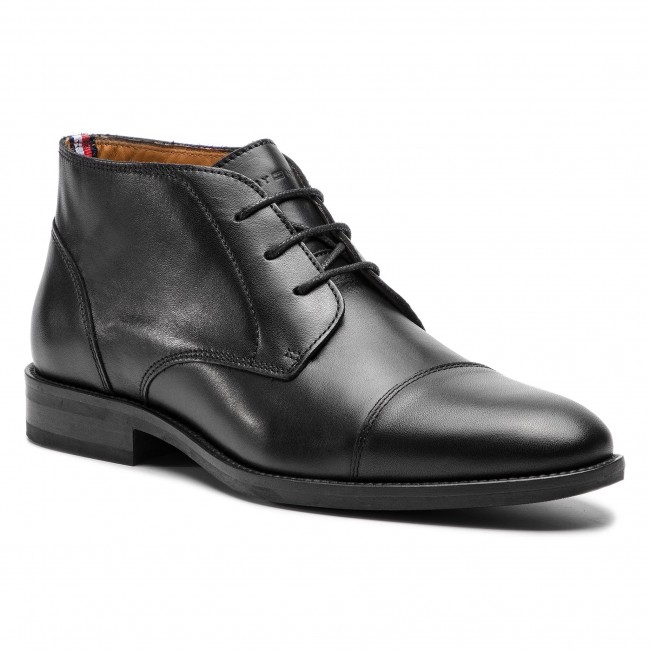 Polacchi TOMMY HILFIGER - Essential Leather Toecap Boot FM0FM02138 Black 990 877eba051c6