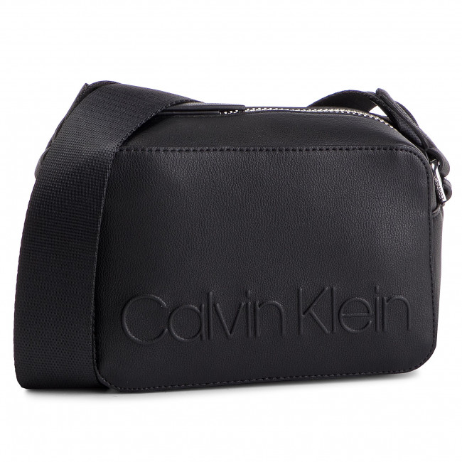 c1a28583eb Borsa CALVIN KLEIN - Edged Camera Bag K60K605276 001 - Borse a ...