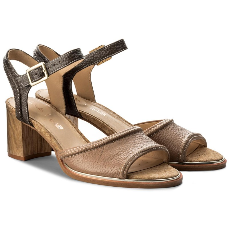 Sandali CLARKS - Ellis Clara 261310714 Nude Leather PJCUl