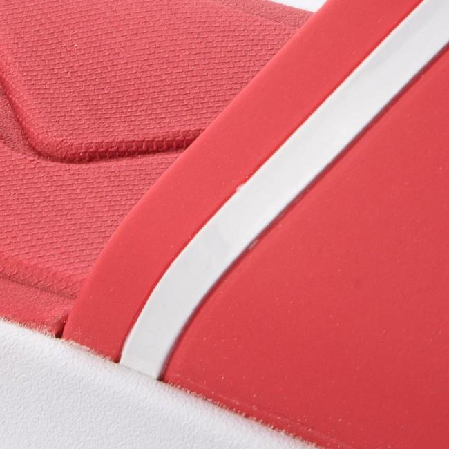 Rosso Ciabatte Lacoste